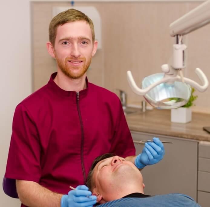 Протезування зубів у клініці Ельвіри Безвушко